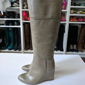 TORY BURCH Linnett Wedge Green Leather Boots